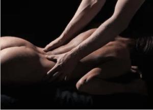 Sensuell massage i dessa områden får henne att slappna av